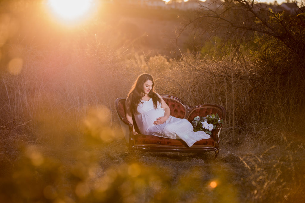 professional maternity photography service in OC